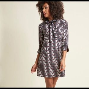ModCloth Lipstick-Print Shift Dress